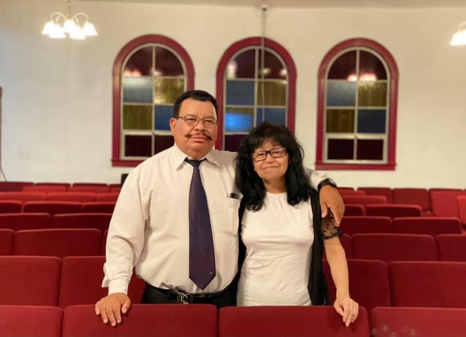 Pastores Carlos y Julia Garcia